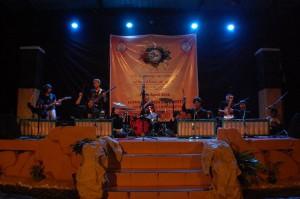 Sanggar Nuun dalam Festival Bahasa dan Budaya UKM SPBA, Minggu (19/4).